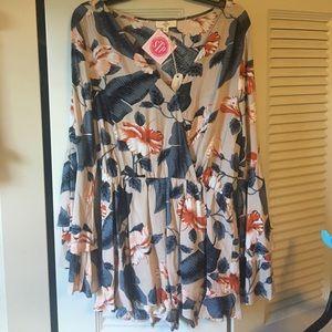 entro Dresses & Skirts - Floral romper