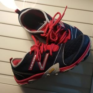 NB MINIMAL VIBRAM WORK OUT SHOES