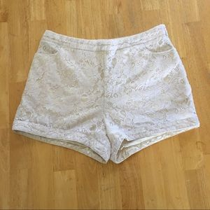 ✂️FOREVER 21 Ivory Lace Shorts