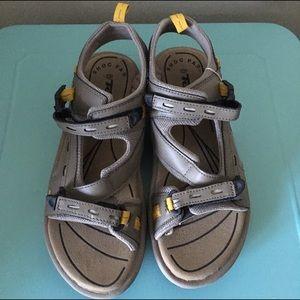 Teva Kinetic Circuit Sandals in Walnut - Size 11
