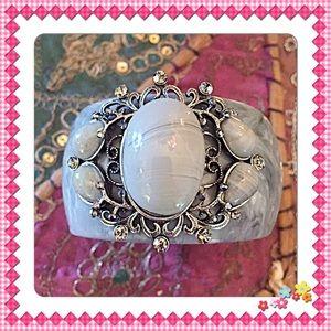 InEveryCorner Jewelry - 30% OFF BUNDLES💗Victorian Cuff w/Ornate Details💗