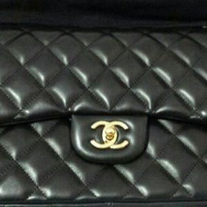 CHANEL Handbags - Chanel jumbo classic flap