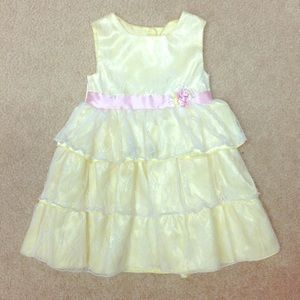 Other - Adorable 3 Tiered Lace Dress