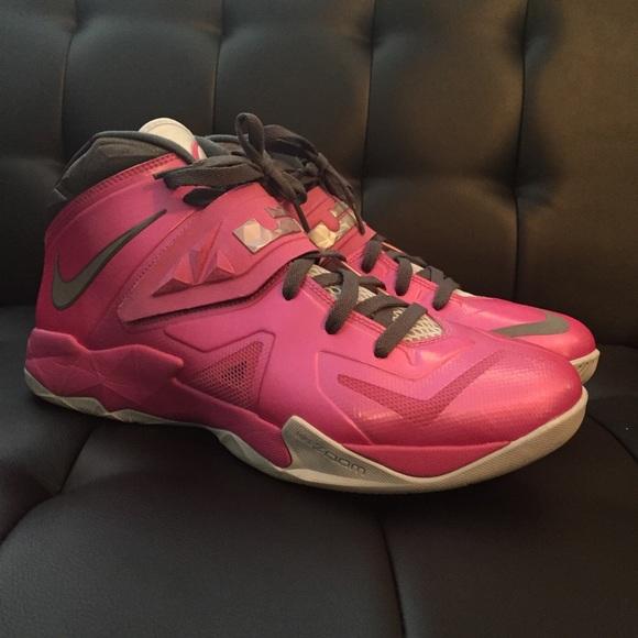 d7f895bdf60 Men s Nike Lebron soldier 7 Kay Yow BCA size 11.5