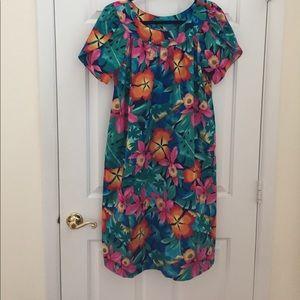 Hilo Hattie cotton vibrant muu muu midi dress