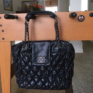 dd8bc2dd109b CHANEL Bags - 🔥Chanel bubble quilt black tote 🔥🔥today only