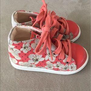 Shoo Pom Flower Hi Top Sneaker Infant Size 5