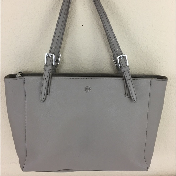 2f5395cce8d2 Tory Burch York Buckle small tote French gray. M 59519df0620ff70b9509a634