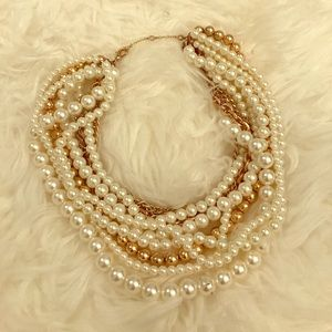 Bauble Bar Jewelry - Bauble Bar Pearl Statement Necklace