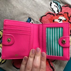 LOWEST ⭐️ Vineyard Vines Leather Wallet Seersucker
