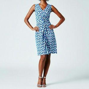 Leota Dresses & Skirts - Leota Charlotte Style dress - NWT - small