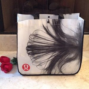 🍃🌹'Lululemon Athletica' -Tote Bag 🍃
