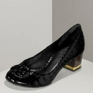 1hrSALE! Tory Burch Amy Croc embossed 2 inch Heels