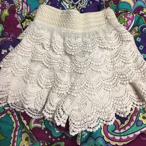 Pants - Crocheted shorts