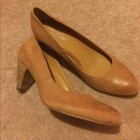 Nine West scarpe   scarpe  Cognac Pumps   Poshmark ec9e91