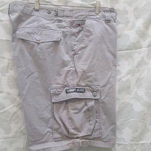 Tommy Hilfiger gray cargo shorts