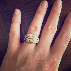 Jewelry - Vintage enamel ring