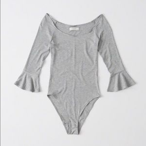 ✨NWT✨ Abercrombie & Fitch Bell Sleeve Body Suit