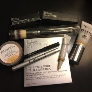 it Cosmetics Other - it Cosmetics 7 Piece Collection