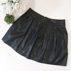 F21 faux leather pleated skirt