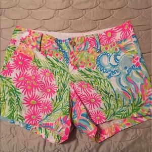 Lilly Pulitzer Lovers Coral Callahan shorts size 6