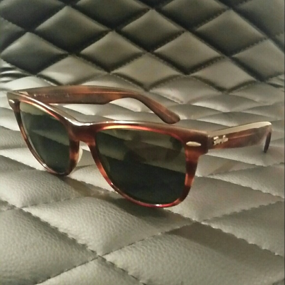 788b097147 Vintage Ray-Ban B L USA Wayfarer II Sunglasses. M 5951e4ea6a5830a8b50357b5