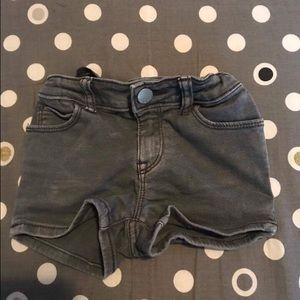 GAP Other - GAP washed up grey shorts 🌴