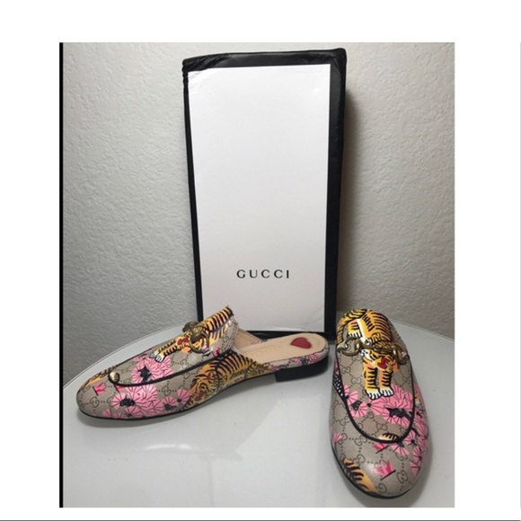 54ff380d402 Gucci Shoes - NEW Gucci Princetown Tiger Flat Mule Slippers