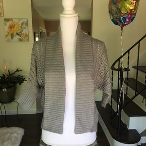 NWT  Bongo Grey sweater size small.