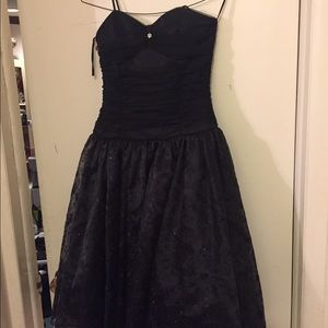 black cocktail dress for juniors to young adults
