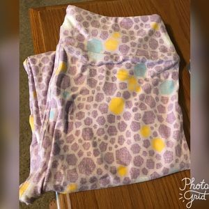 Lularoe OS Pastel Purple Leggings