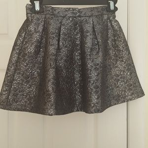 ruby & bloom Other - Ruby & Bloom silver jacquard skirt size 8