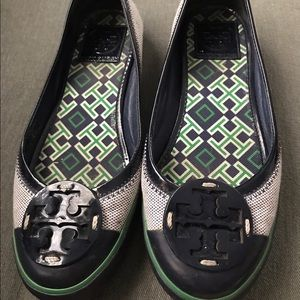 Tory Burch flat shoe  green blue and grey color.