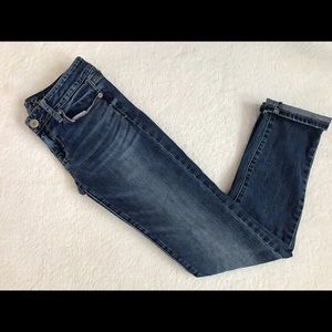 < American Eagle Stretch Skinny Jeans >