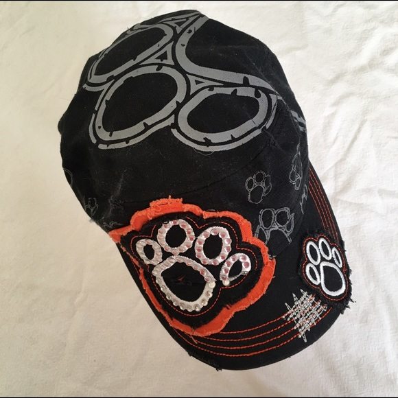 Accessories - NWOT orange   black paw print rhinestone patch hat b66ba847ef2