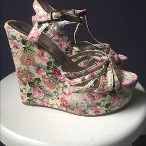 Liliana Shoes - Floral Wedges
