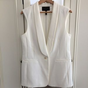 BCBG Max Azria Cole Zipper Back Vest - Off White.