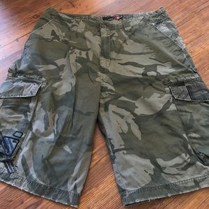 Other - NWOT quicksilver size 36 camo cargo shorts.