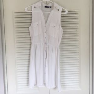 Casual White Button-up Dress