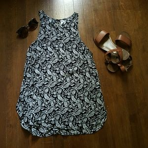 Old Navy Black Pattern Tank