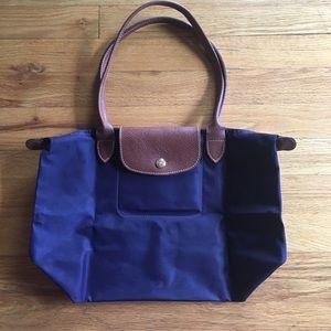 Longchamp Handbags - Longchamp Le Pliage medium tote
