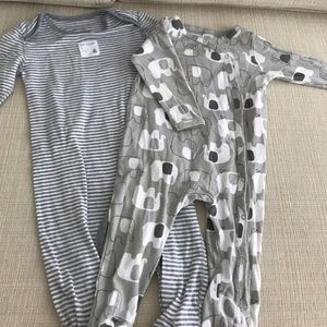 Nordstrom Baby Other - Two unisex pajamas