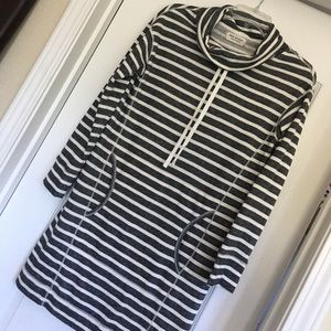Sweatshirt dress with pockets!