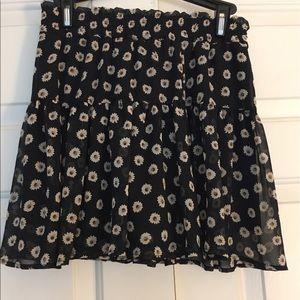 B Jewel Dresses & Skirts - NWOT Daisy Print Skirt