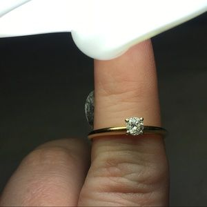 Zales Jewelry - .27 ct 14k gold brilliant diamond solitaire ring