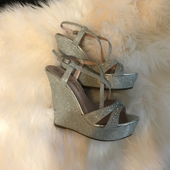 57 shoes beautiful sparkling wedge sandals size 7