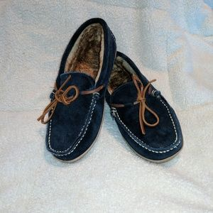 Cabela S Moccasin Slippers Division Of Global Affairs