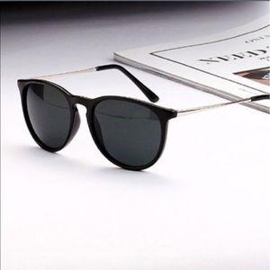 Accessories - Fashion sunglasses!! 👀Like Ray-Ban brand glasses