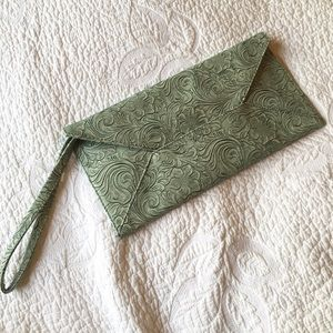 Kimchi Blue Tooled Faux Leather Mint Clutch