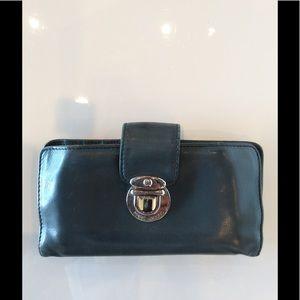 Marc Jacobs Bags - Marc Jacobs Push Lock Wallet 17514963ac8f